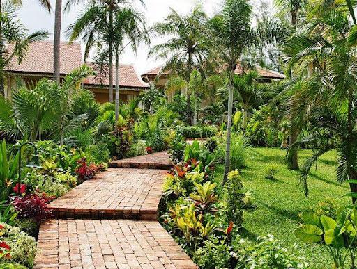 Thiết kế sân vườn trước nhà kiểu Việt Nam